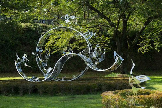 Image: Setsuko Ono, Dreams, 2012. Stainless steel, 13.5 x 17 x 5 ft. View of installation at the Hara Museum ARC, Japan. Courtesy of Washington Sculptors Group.