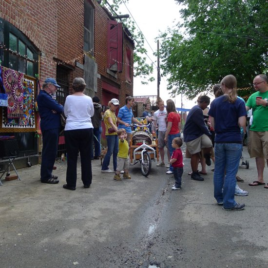 Art in the Alley 2012.  Image by Phil Hutinet for East City Art.