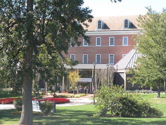 Photo of University of Maryland University College via Wikimedia Commons.