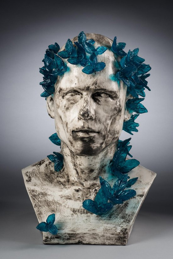 """Transformation, 2015, cast glass and ceramic, 16"""" x 14"""" x 12"""". Image courtesy Maurine Littleton Gallery."""