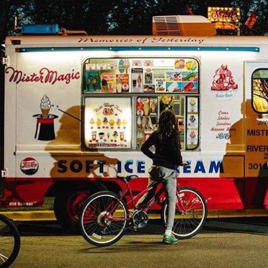 Untitled Photo 2 (ice cream truck): Erika Nizbo. Courtesy of Studio SoHy.